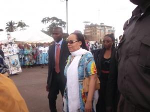Aminatou Ahidjo super star à l'Hôtel de Ville de Yaoundé dans Politique aminatou-ahidjo-300x225